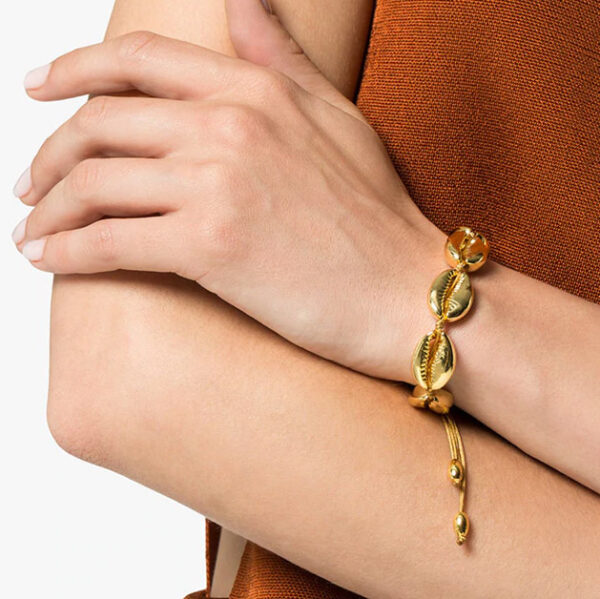 shine, Bracelet femme, bracelet mode 2019, bracelet cauri naturel, bracelet coquillage, bracelet fashion, bracelet tendance