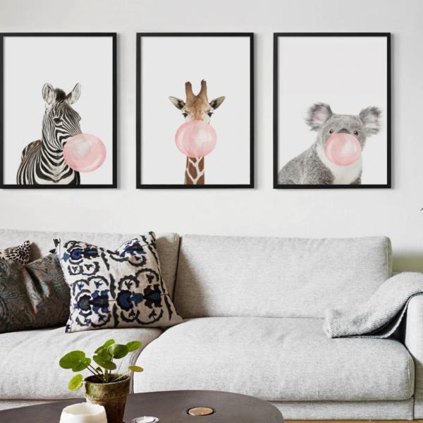 shineboutique, poster bulle de gum, poster girafe Bulle de gum rose, posters animaux de la savane, poster koale, poster girafe, poster zèbre, poster kangourouu bleu