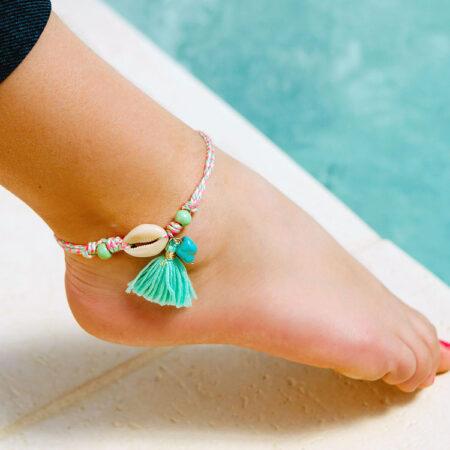 shineboutique, bracelet de cheville coquillage et pompon Ilona, chevillère, bijou de cheville, accessoires