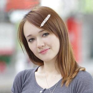 shine boutique, barrette perles Leonie, barrette cheveux tendances pour cérémonie, accessoire indispensable