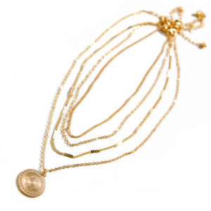 shine boutique, collier elisabeth, ensemble de colliers, collier multirangs, collier médaille
