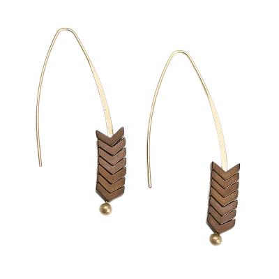 shine boutique, boucles d'oreilles pendantes originales aramis marron