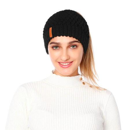 Shineboutique, bonnet queue de cheval noir nevada, bonnet trou, bonnet en tricot et crochet, bonnet hiver