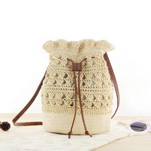 sac à dos tissé en paille pour la plage