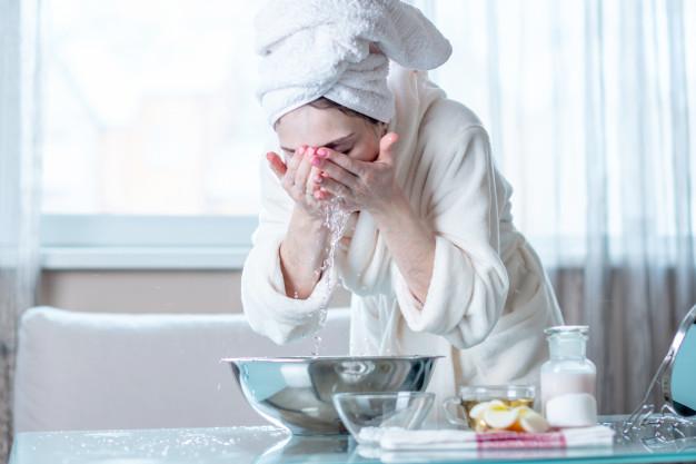 Pourquoi réaliser un double nettoyage chaque soir ?