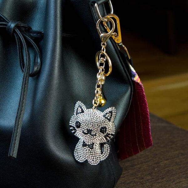 porte-clé chat strass argenté